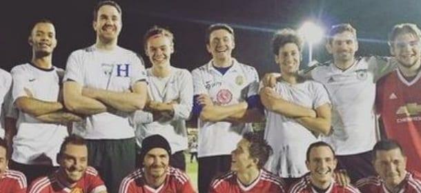 """Harry Styles gioca a calcio con David Beckham e suo figlio Brooklyn: è """"delirio"""""""