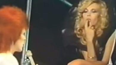 """Amanda Lear e l'antico amore per David Bowie: """"Si innamorò di una mia foto"""""""