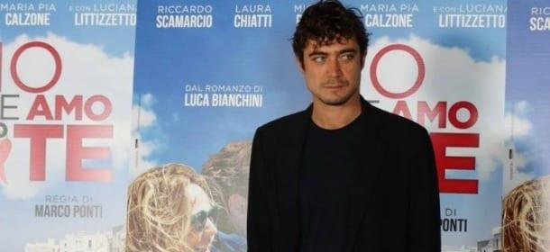 Riccardo Scamarcio in ospedale per un malore: paura per l'attore