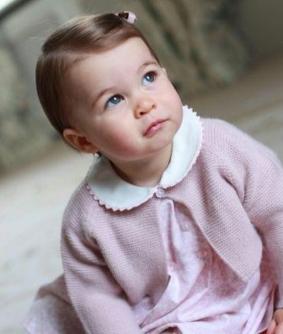 Charlotte compie 4 anni, le foto ufficiali scattate da mamma Kate