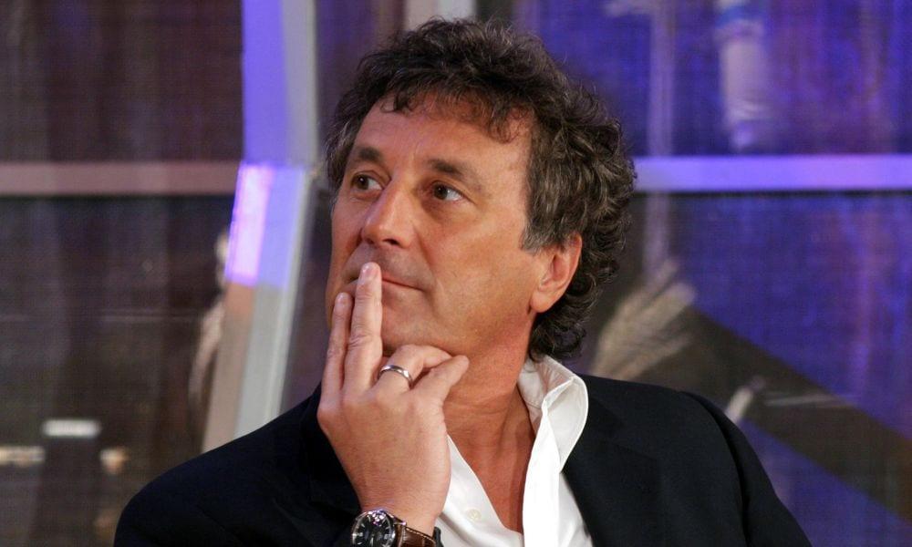 La caduta di Enzo Iacchetti a Striscia La Notizia