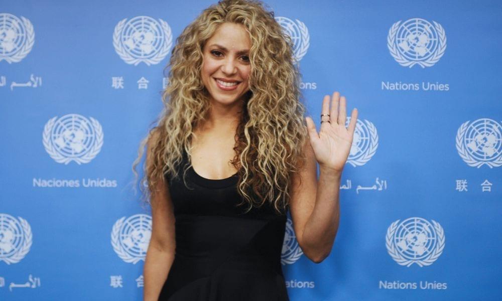 Gocce di Gossip: Shakira innamorata di Gianluca Vacchi? Chiara Biasi incinta?