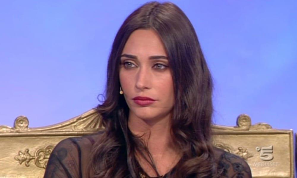 Tina Cipollari continua a negare di essersi rifatta