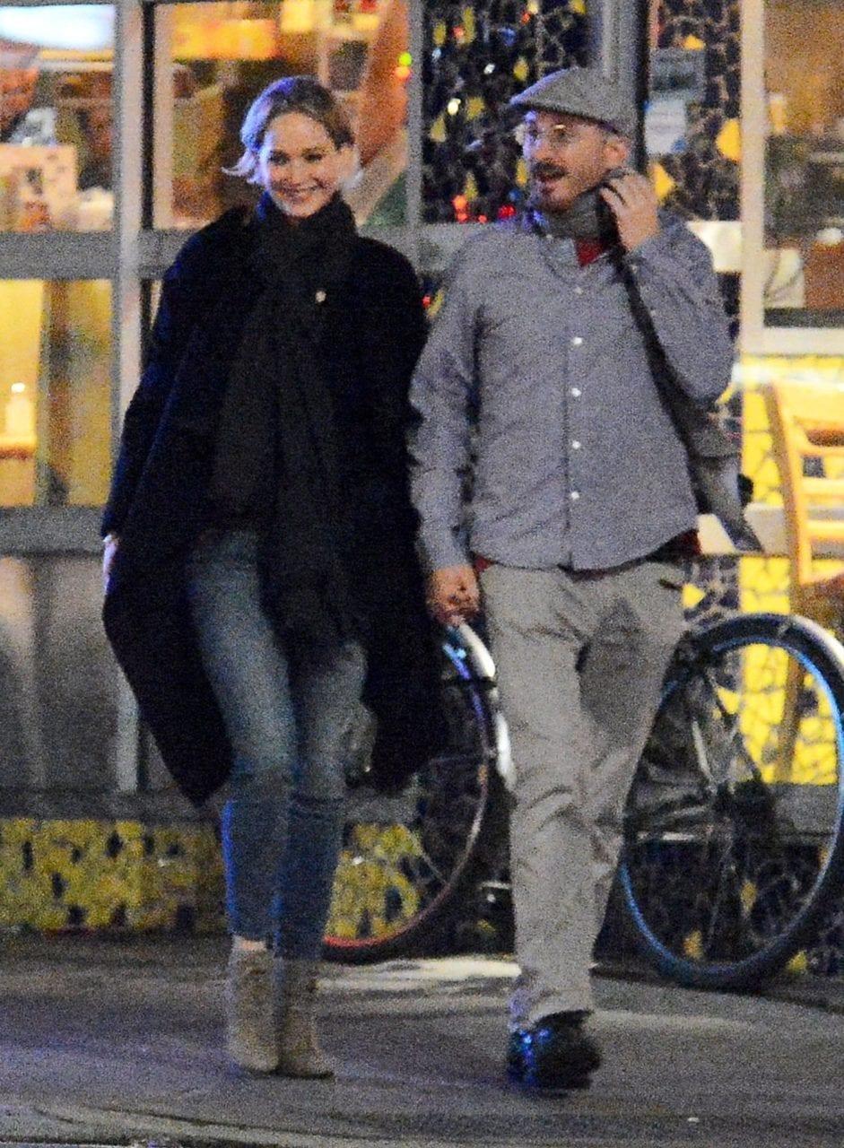 """Jennifer Lawrence si confessa: """"io, mai stata baciata l'ultimo dell'anno"""""""