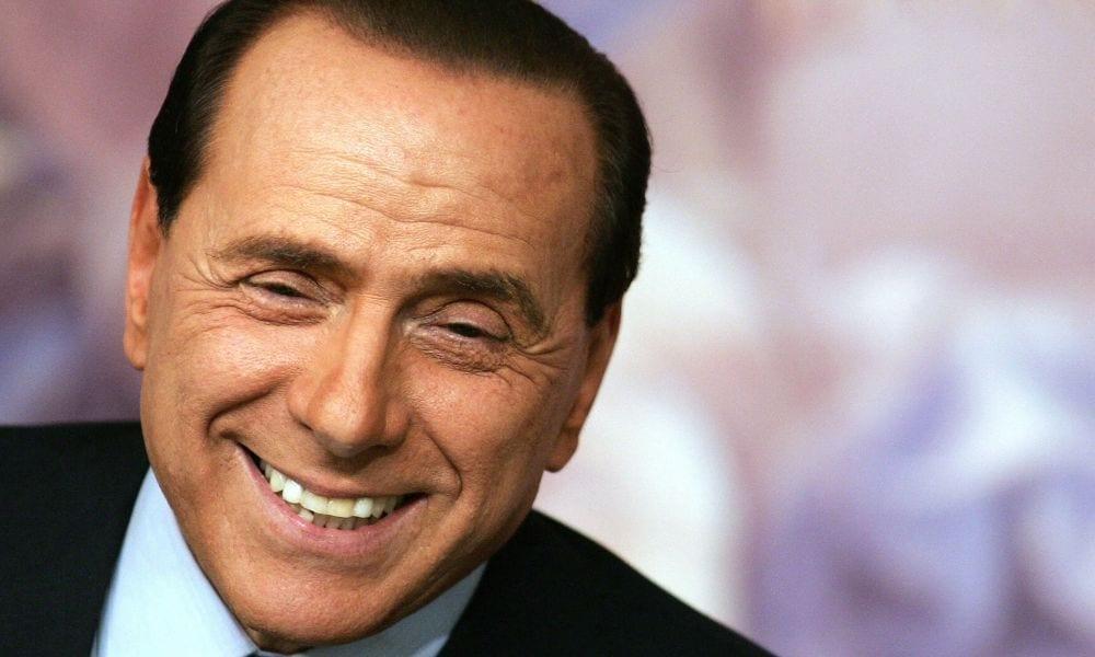 Berlusconi all'asta per beneficenza. In palio un pranzo con lui
