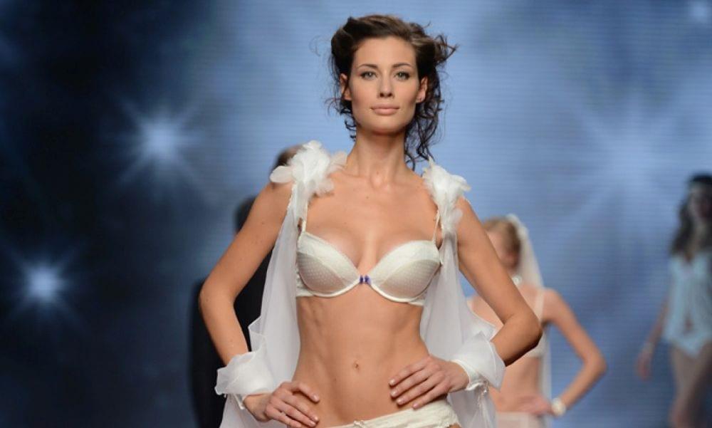Sanremo 2017, scollo super sexy per Marica Pellegrinelli