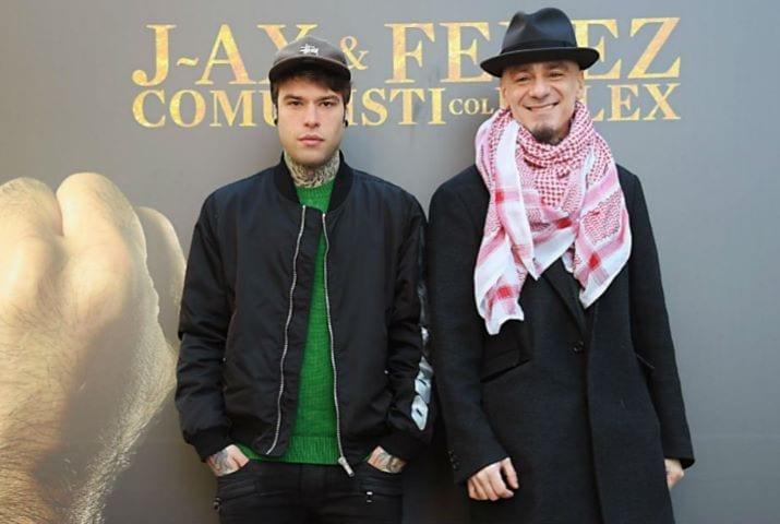 Fedez e J-Ax: causa da 100mila euro a un locale per una foto su facebook