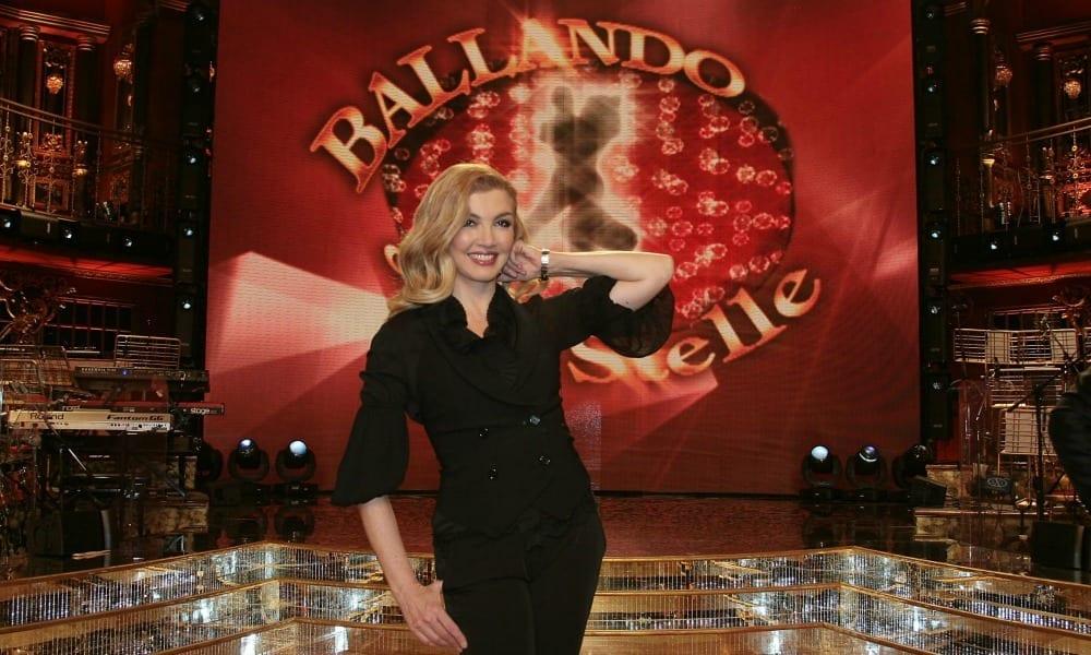 Alba Parietti contro Ballando con le stelle: lo strano annuncio