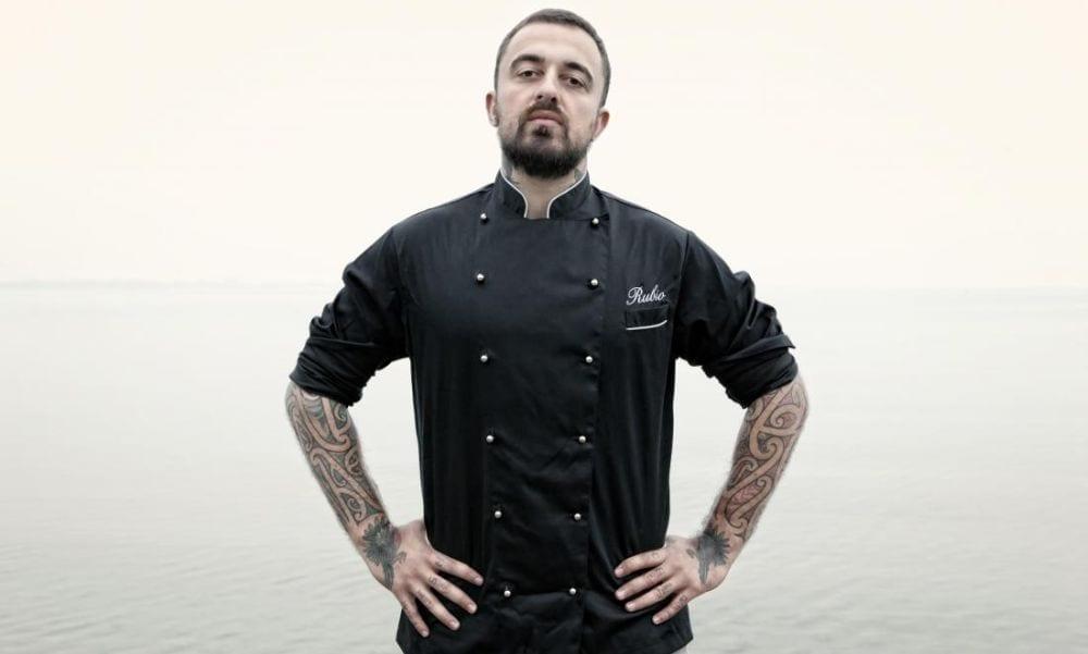 Chef Rubio contro Fedez, interviene J-Ax e ironizza anche su Alba Parietti: botta e risposta social