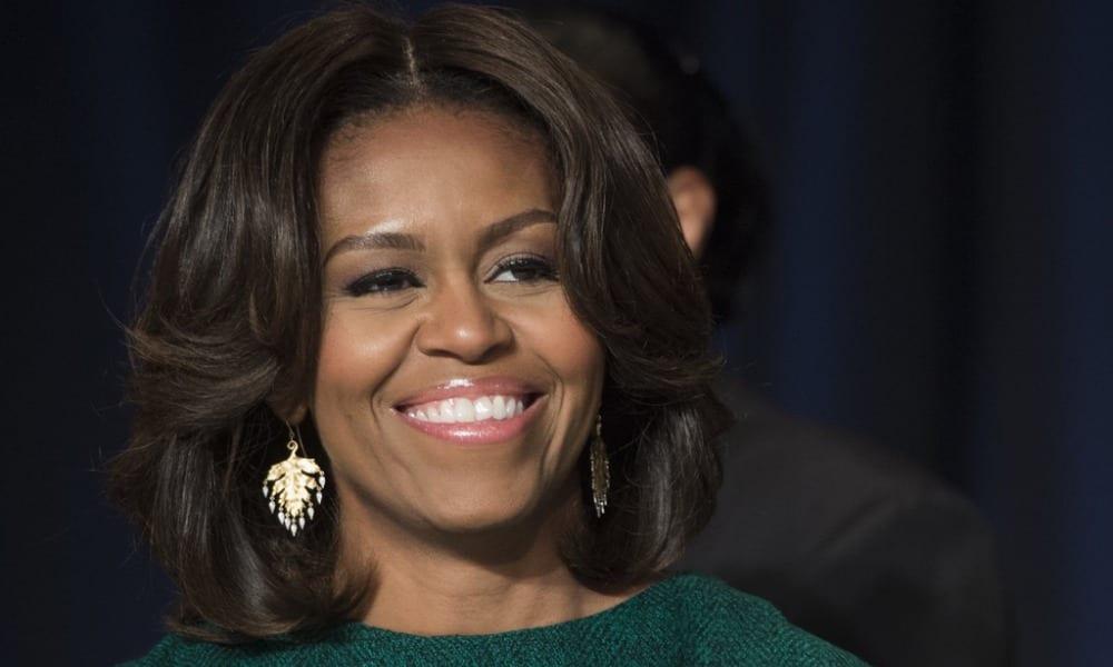Michelle Obama al naturale: i suoi veri capelli fanno impazzire il web