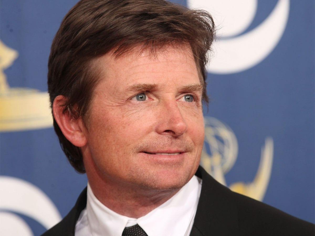 Michael J. Fox, peggiora la sua malattia: non riesce ...