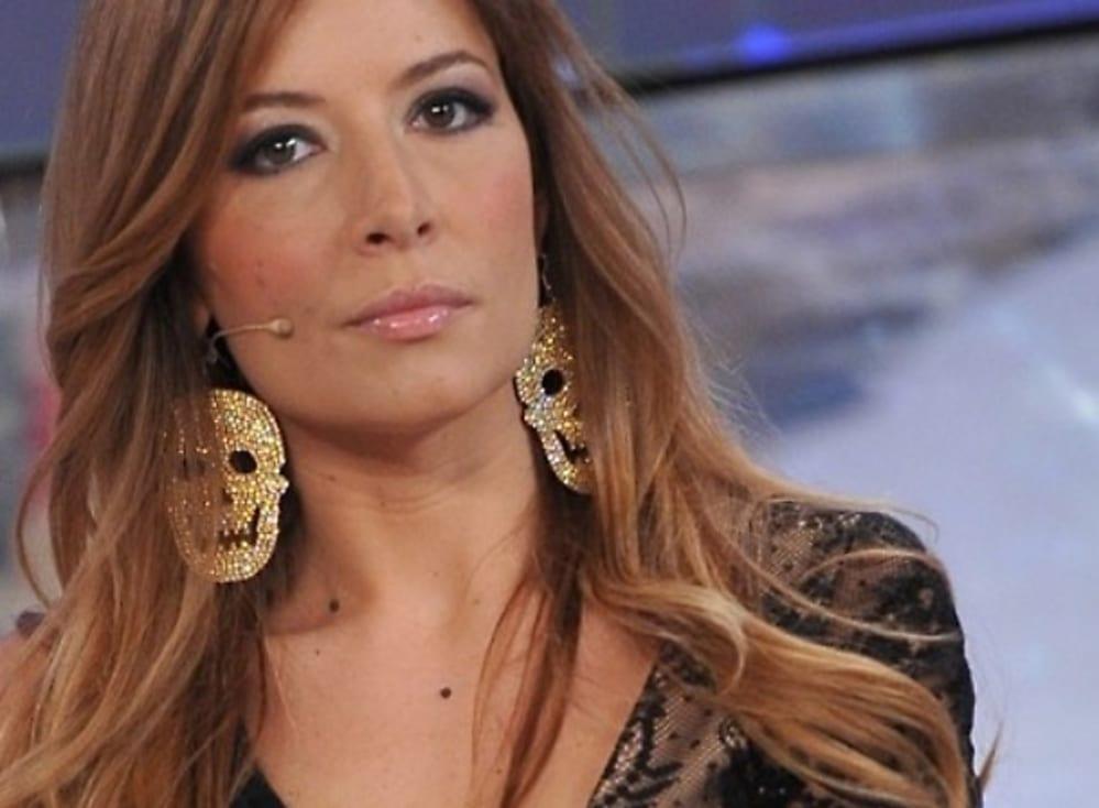 Immagine shock contro Tiziana Cantone, Selvaggia Lucarelli interviene: scoppia la polemica [FOTO]