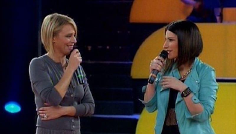 Laura Pausini: il nuovo progetto con la De Filippi dopo il no alla conduzione di Sanremo 2018