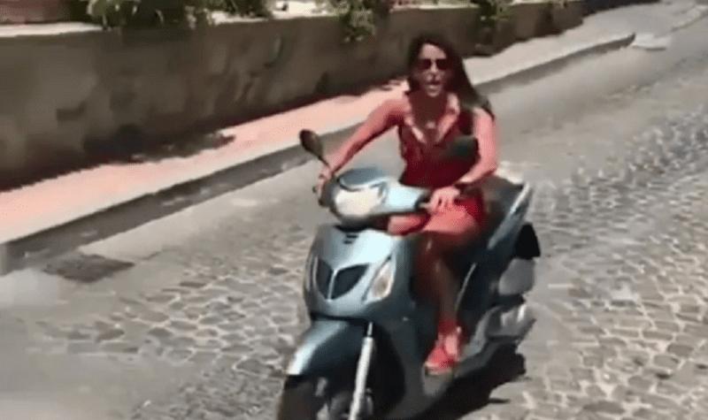 Aida Nizar: incidente in motorino a Vietri sul Mare