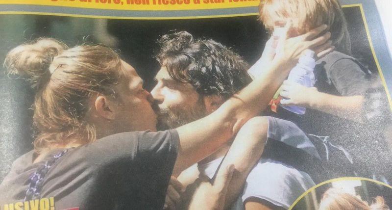 Laura Chiatti e Marco Bocci, baci e coccole in strada