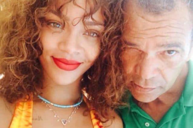 Rihanna denuncia suo padre: ciò che ha fatto è illegale