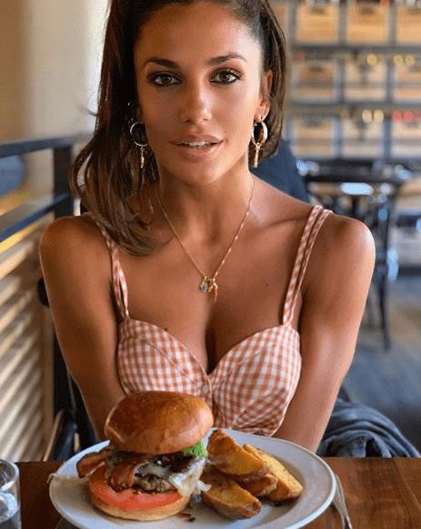Belen Rodriguez, star del web: la foto impazza su Instagram