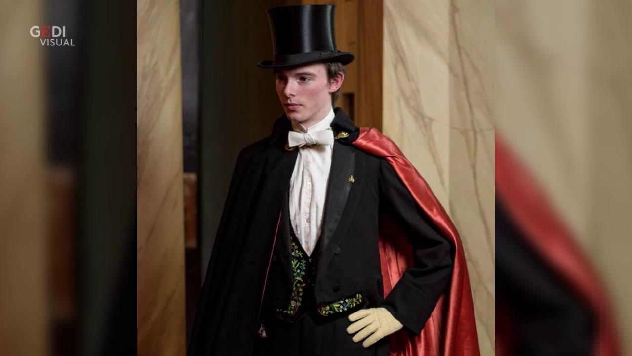 Vestiti Eleganti In Inglese.Foto Virale Zack L Uomo Inglese Vestito Come Nel 1800 Velvetgossip