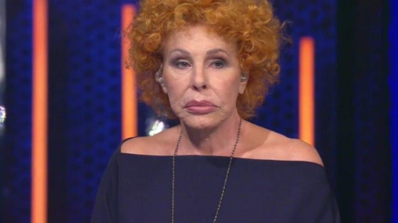 """""""Una storia da Cantare"""": Ornella Vanoni si infuria e gela il pubblico FOTO - Velvet Gossip"""