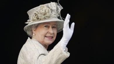 """Addio alla Regina Elisabetta: """"Il suo regno è finito"""". Parla il biografo"""