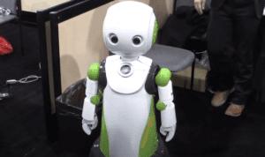 Giappone |  arriva il robot che aiuta a mantenere il distanziamento sociale