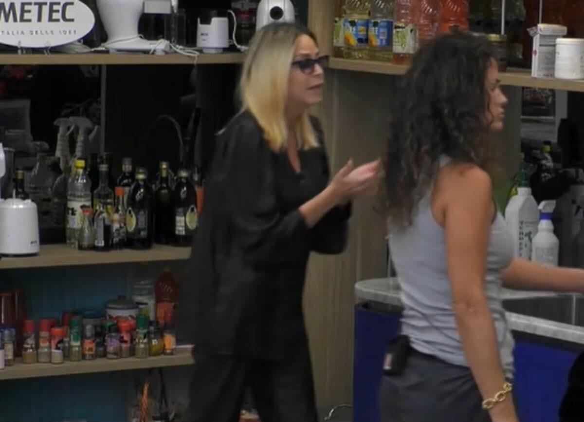 Stefania Orlando e Samantha De Grenet