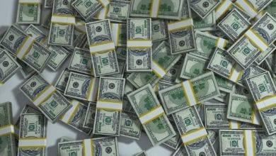 Miliardario regala milioni sconosciuti