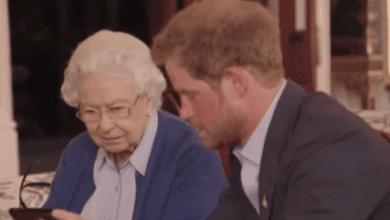 La Regina Elisabetta con Harry