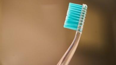 Spazzolino denti batteri